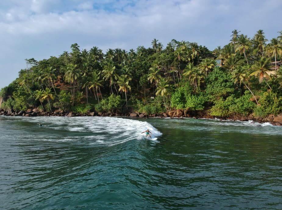 Deportes acuáticos en Mirissa Sri Lanka