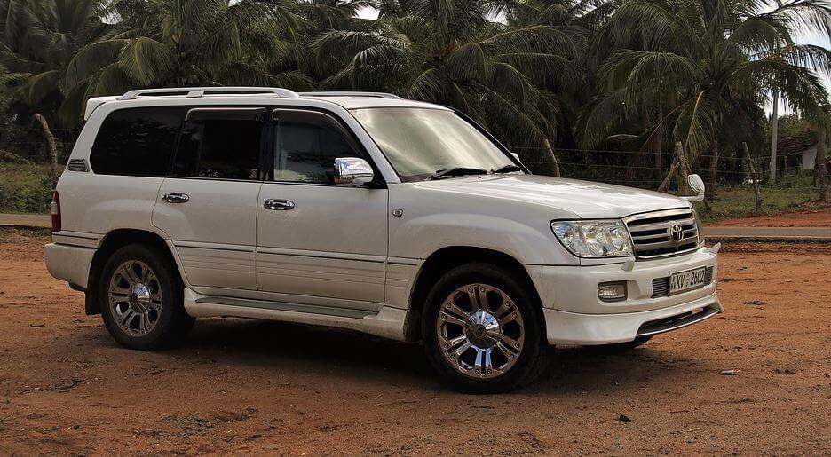 Cómo moverse por Sri Lanka en coche de alquiler